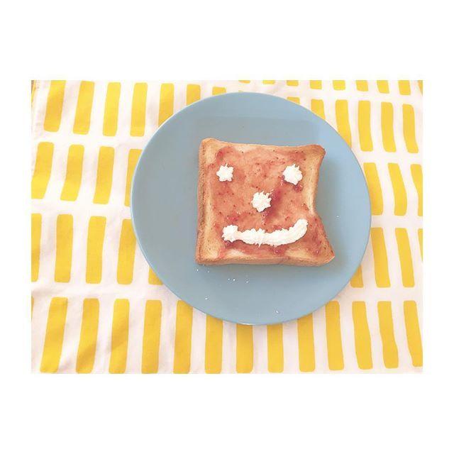 2016/12/26 08:58:21 hiroho 美味しすぎでしょ♡ 。 。 おはようございます! 今朝は初めてバルミューダでパンを焼きました! 。 。 感動から始まる1日スタート♡ 。 。 今日は月曜日ですが営業しています♡ みなさまのご来店お待ちしております! 。 。 #美容師#美容院#名古屋#栄#ヘアスタイル#大人ヘア#大人ヘアカラー#ヘアカラー#アラフォー#アラサー#30代#40代#艶髪#大人女子#mizoヘア#大人女子#外国人風#バルミューダ#balmuda #初めて焼きました#ケーキで残った生クリーム#ちょっと怖い#バルパン