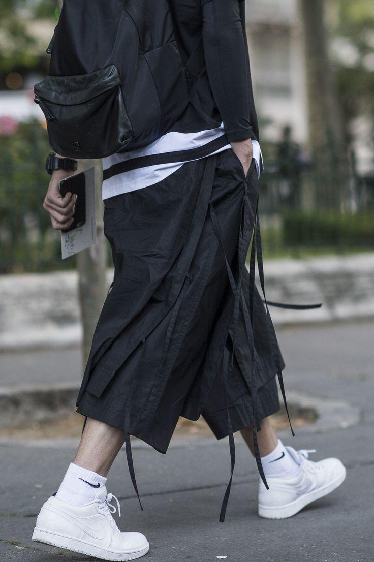 Bleu Mode Noir — PFW ss16 http://bleumode.com