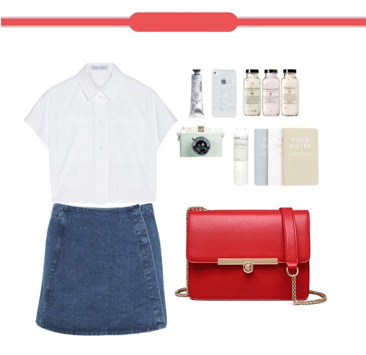 Outfit. Czerwona skórzana kopertówka, torebka kopertowa, listonoszka. #jakatorebka #moda #fashion #spring #jeans #white #redbag #leatherbag #clutch