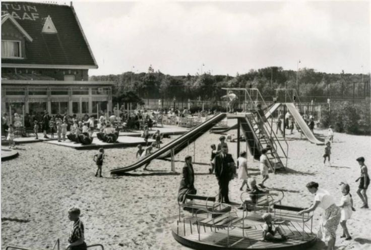 Scheveningse Bosjes. Speeltuin De Bataaf. 1957