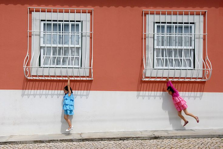 Little girls swinging on windows.: Photography Awards, Photographers Par, Wedding Photography, Pedro Vilela, Flowers Girls, Documentaries Photography, Girls Swings, 12 Photographers, Deci Moments