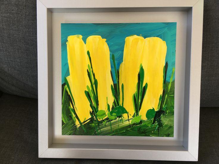 """""""Gele tulpen"""" van Ad van Hassel. """"zwevend"""" aangebracht in lijst. afmetingen 40x40x4cm. afmetingen zonder lijst 30x30. Zeer fraai stuk met veel diepte. 100 euro."""