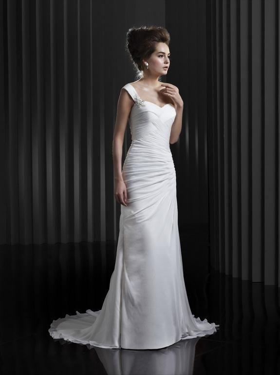 Igen Szalon wedding dress- BT13-13 #igenszalon #beautiful #weddingdress #bridalgown #eskuvoiruha #menyasszonyiruha #eskuvo #menyasszony #Budapest