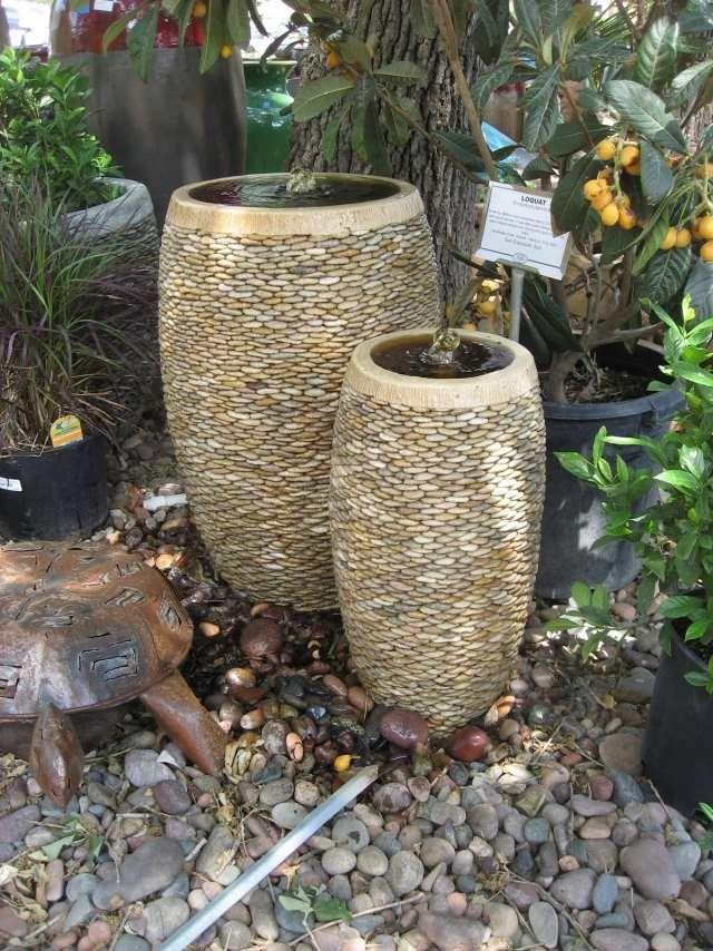 garten brunnen stein ideen kübel kies mosaik | Mosaik | Pinterest ...