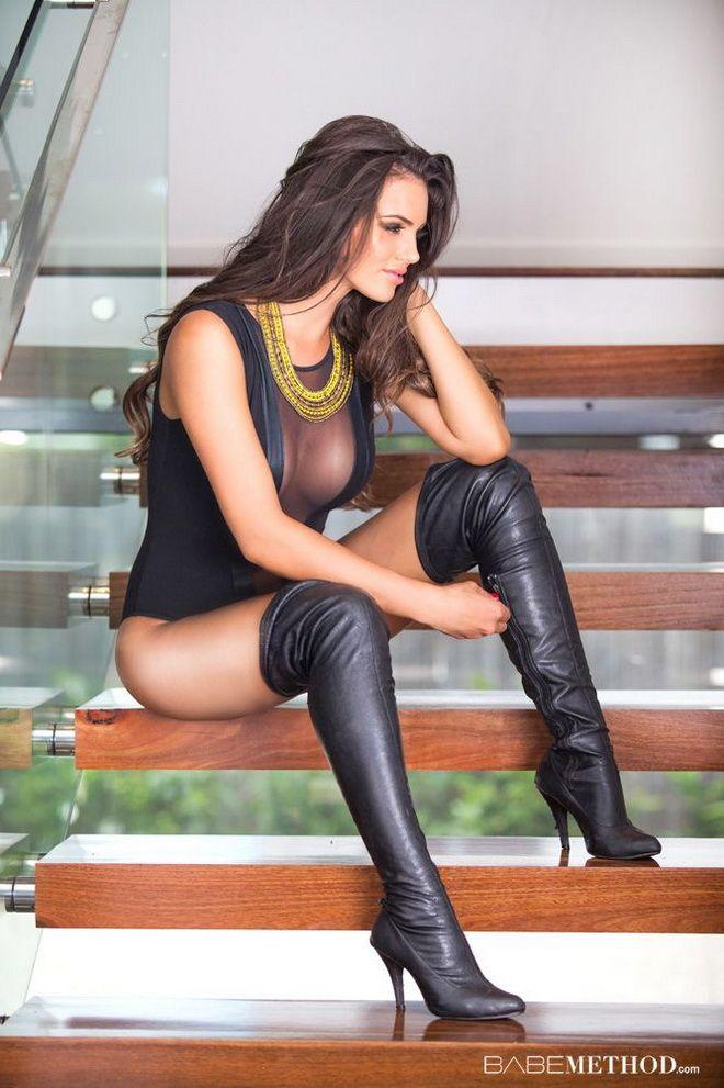 wearing boots women Nude