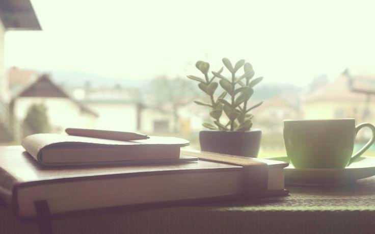 Inspiration ist alles. Ohne sie geht es manchmal nicht. Die meiste Inspiration hole ich mir aus Büchern. Ich habe für dich meine inspirierendsten, motivierendsten und bedeutsamsten Bücher zusammengestellt und ich hoffe du findest das ein oder andere Buch, welches dich dann auch so bewegt, wie es mich bewegt hat.