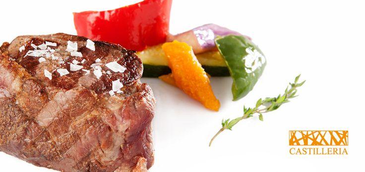 Haz tus días más llevaderos con un buen solomillo de ternera avileña a la parrilla!!!  Restaurante La Castillería, ¿a qué sabe el fuego? www.restaurantecastilleria.com T. 956.45.14.97