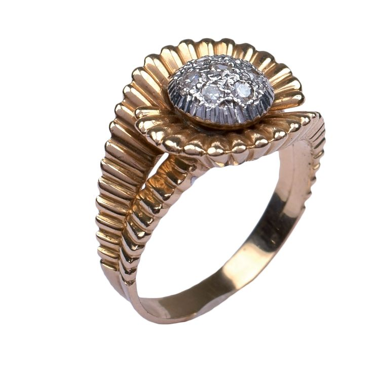 A red gold and diamond ring - 1940s Lot 109