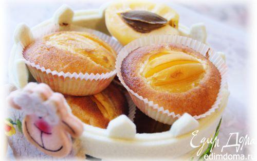 Абрикосовые кексы на рисовой муке. масло сливочное 100 г белки яичные 4 шт. мука рисовая 50 г мука пшеничная 20 г сахарная пудра 60 г абрикосы 100 г