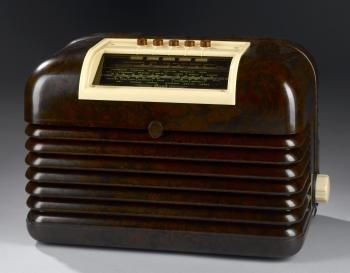 DAC10 Superheterodyne mains-valve reciever covering the long and medium waves, in bakelite case with steel chassis and glass valves, by Bush, Ernesettle, Devon, c. 1950