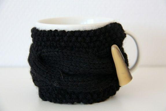 Cupcozy i flettestrikk svart https://epla.no/shops/LilliogLucas-strikk/