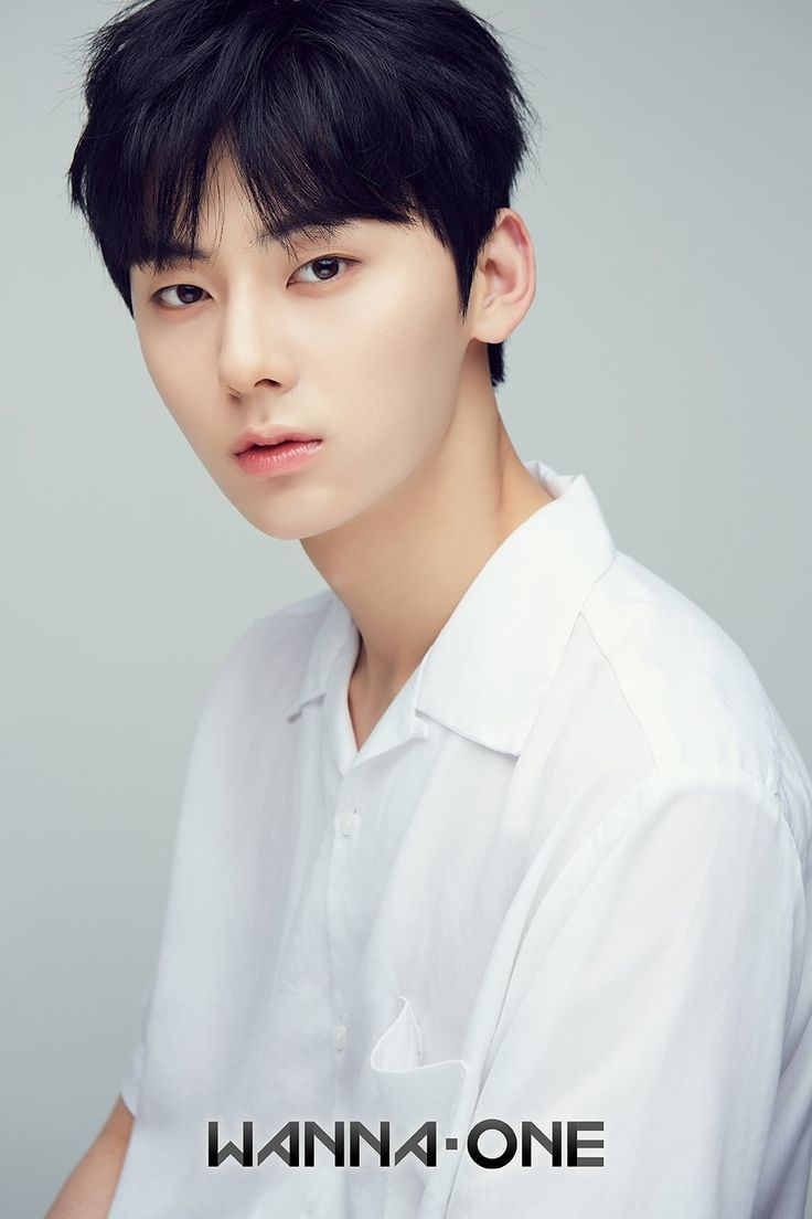 """The world is full of beautiful things.Just like you"" _Nu'est_minhyun"