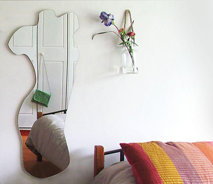 OBJETOS: ESPEJO SILUETA 120X50cm. Encarga ésta u otra silueta al +569 99856242 o a javieramora@gmail.com Visítame en www.javieramora.com #diseno #arte #decoracion #espejos #regalos #regalo #silueta #mujer