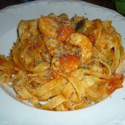 One pot pasta de saumon et crevettes : 13 recettes de one pot pasta ou one pan pasta - Journal des Femmes