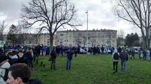 Armario de Noticias: Evacúan colegios secundarios de París tras recibir...
