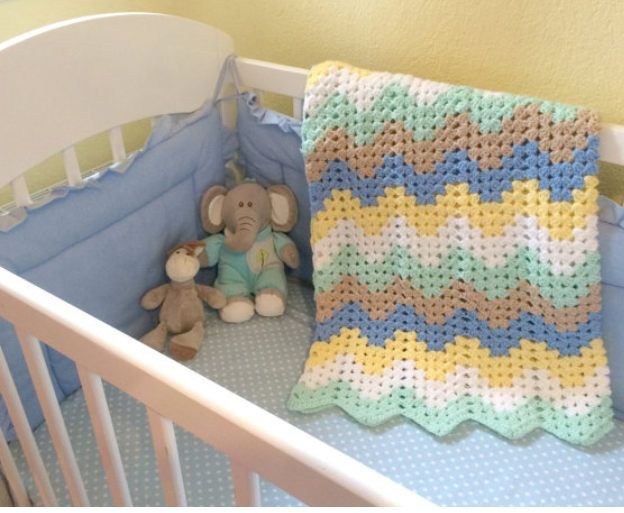 Baby crochet blanket, blanket for baby's nursery, chevron baby blanket by stellaknittingshop on Etsy
