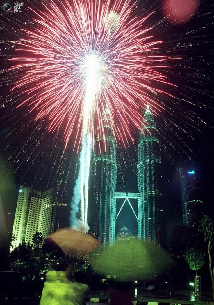 Kuala Lumpur Malaysia In 2020 New Year Fireworks Happy New Year Fireworks Fireworks