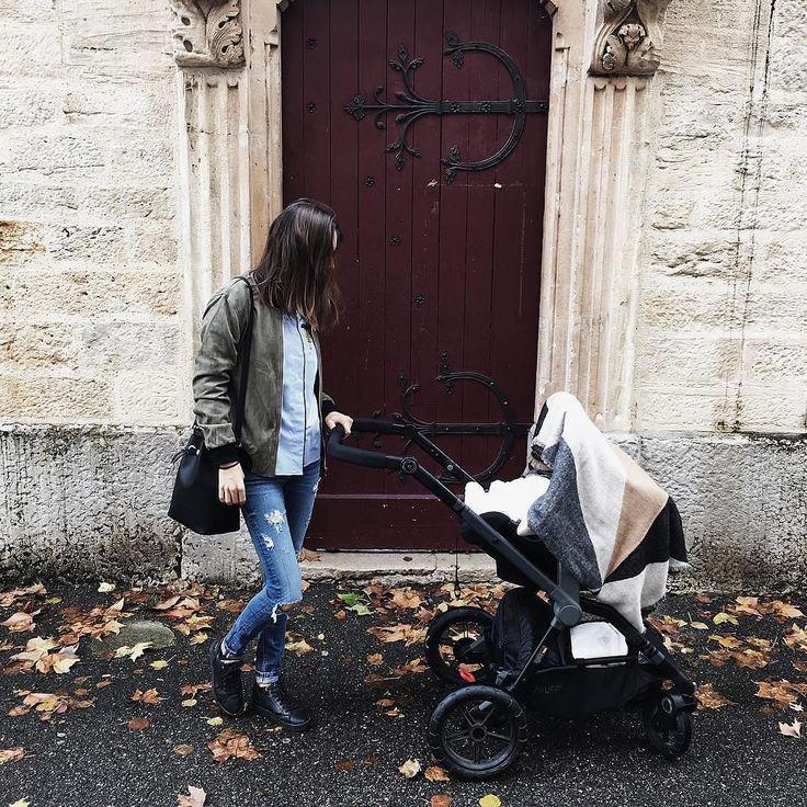 Autumn strolls  #mom #baby #autumn #fall #stroll #mummy #momandbaby #autumnstroll #door #strolling #stroller #offroad #lyon #frenchmum #mum #mother #citylife #motherhoof #buggy #pushchair #cochecito #cochecitobebe #kinderwagen #passeggino #poussette #repost @hopelessly.loving