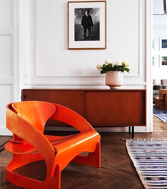 Mixing it up with a 1950's teak credenza and a laminated ply chair designed by Joe Colombo for Kartell in 1964. #mcmdaily #joecolombo #kartell #italy mcmdaily.com
