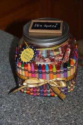 Super cute teacher gift, especially since Little One's teacher doles out daily Skittles and weekly suckers