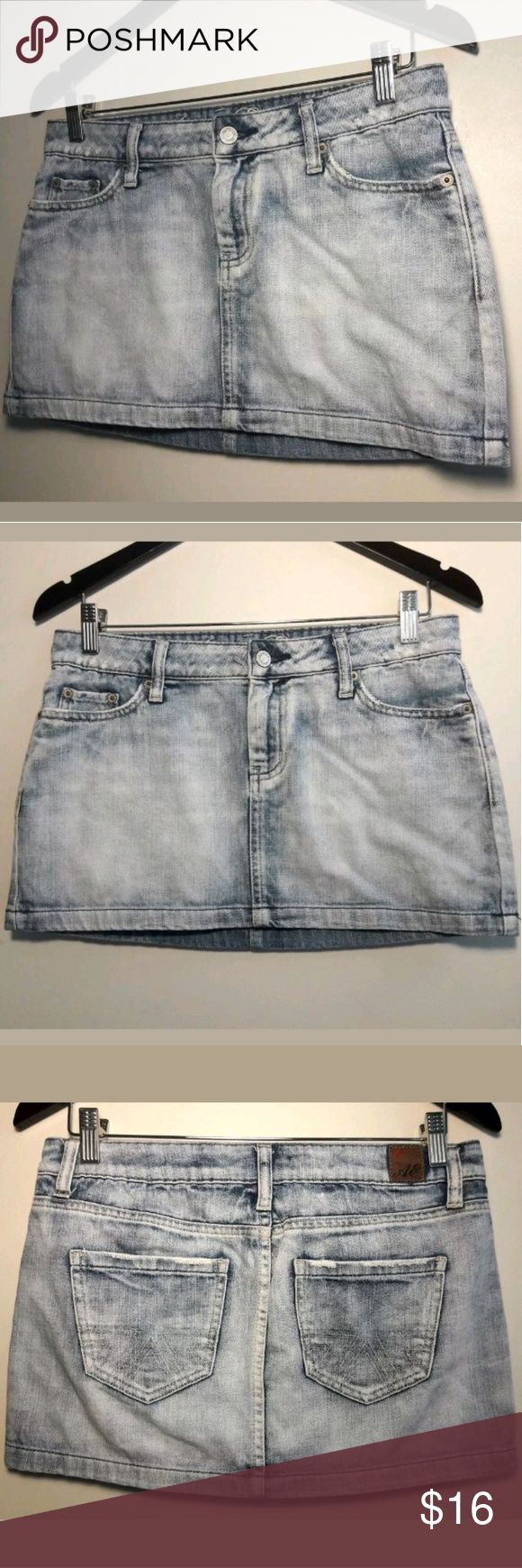 American Eagle Jean/Denim Mini Skirt Size 4 AMERICAN EAGLE OUTFITTERS   Laides Stonewash Distressed Denim Blue Jean Mini Skirt. Super Cute, A Must Have!  Women's Size 4  Pre-owned in Excellent condition. Minor unnoticeable flaw at the Hem Line.  Please be sure to view all images before purchasing   Thank you for Looking & Sharing Happy Poshing😄 American Eagle Outfitters Skirts Mini