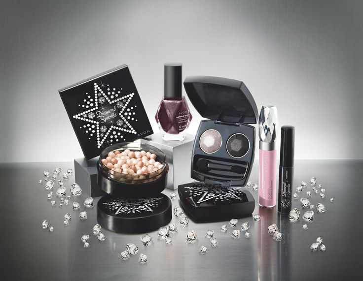 Uusi Avon Diamond, timanttinen meikkikokoelma: korostuspuuterihelmet, luomivärit, kynsilakat, rajausvärit ja huulikiillot | New Avon Diamond makeup collection includes illuminating face powder pearls, nail polishes, eyeshadows, eyeliners and lipglosses
