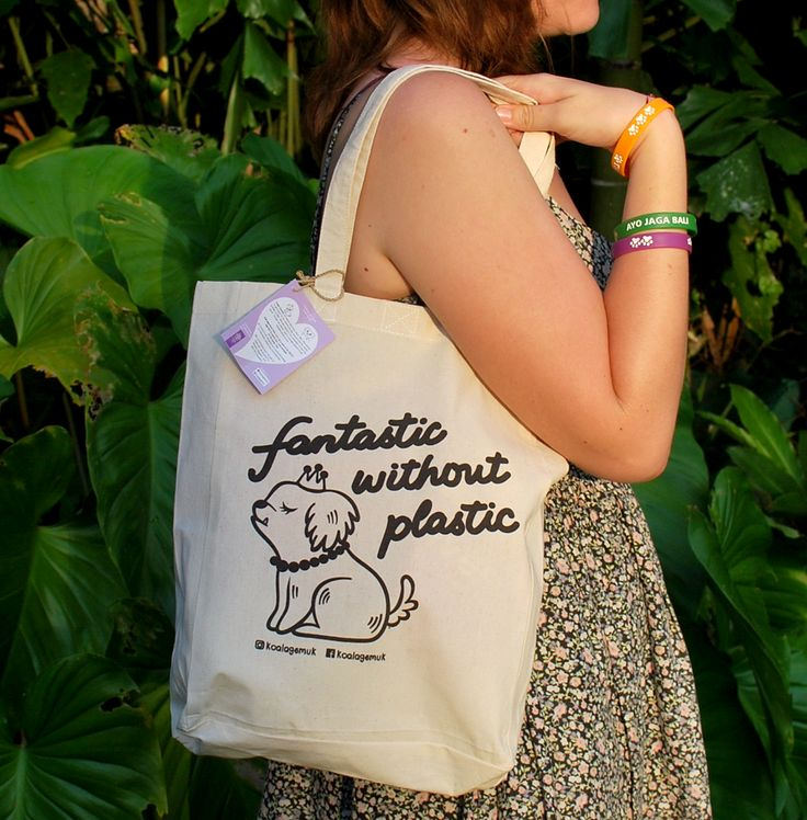 Support Bali dogs and be fantastic without plastic.  Koala Gemuk is an ambassador for rescue dogs & the environment  #plastic #bag #saynottoplastic #dog #reduce #bringyourownbag #adoption #rescuedog #