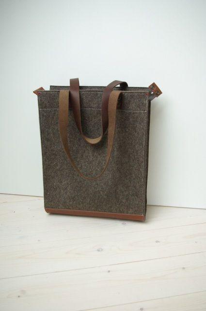 SHOPPER VILT XL in zandbruin met rits. Stijlvolle grote tas van vilt met leren hengsels. - Westerman Bags