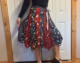 Zijden stropdas Midi rok/Upcycled kleding/gerecycled stropdassen/voorzien kleding/Golf prenten/Womens binden rok / een Size Small-Medium-Large