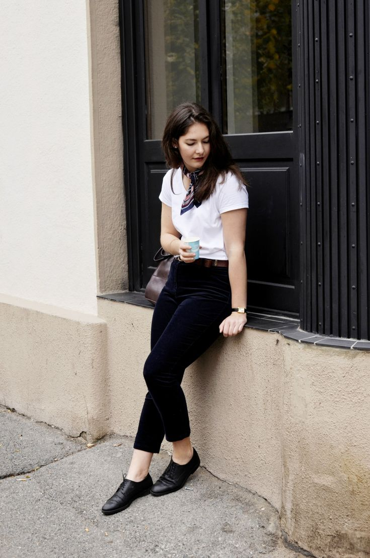 Capsule Wardrobe Guide. How to wear a white Tshirt. Minimalistic look