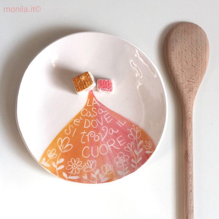Piattino in ceramica con casette di MONILAhandmade su Etsy https://www.etsy.com/it/listing/500145074/piattino-in-ceramica-con-casette