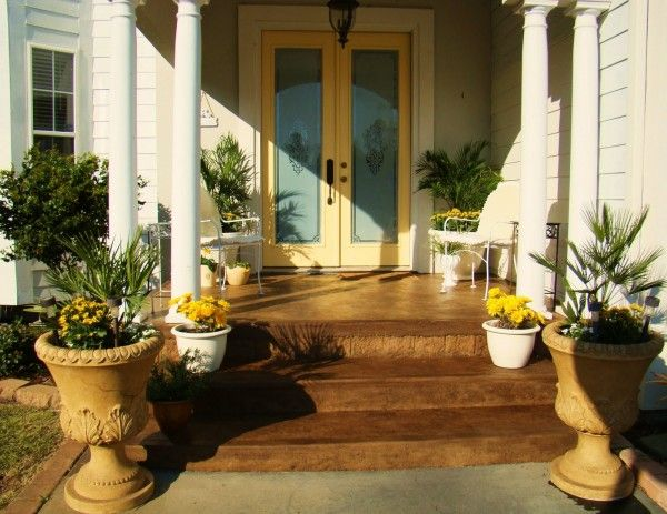 #decor: Yellow Front Doors, The Doors, New Houses, Idea, Paintings Colors, Front Doors Design, Front Entry, Glasses Doors, Front Porches