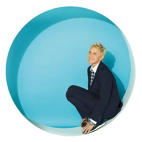 "Almost the Weeknd Watch Ellen DeGeneres's Vine, ""I hope everyone had a great weekend. I know Mia did. http://ellen.tv/1LuoDJE"""