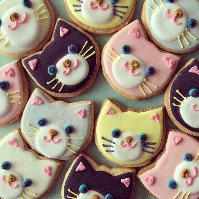 Kitty cookies.