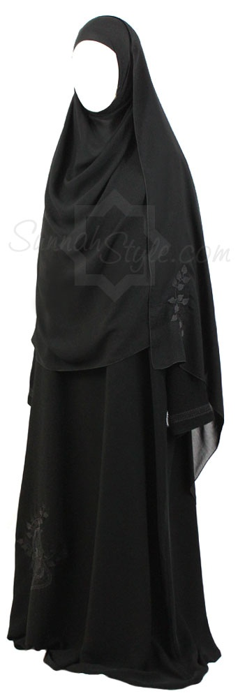 Black Filigree Closed Abaya by Sunnah Style #Sunnahstyle #Islamicclothing #abayastyle