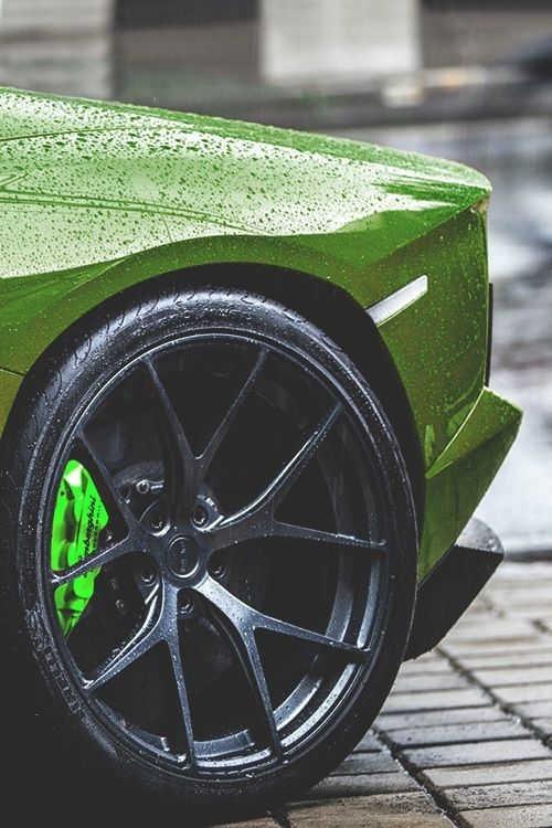johnny-escobar:    One of the sickest Aventador setups I've seen/created…