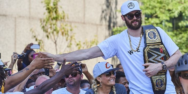 NBA Rumors: Celtics acquiring Kevin Love from Cavaliers in a crazy 3-team trade with Kings suggested - http://www.sportsrageous.com/nba/nba-rumors-celtics-acquiring-kevin-love-cavaliers-crazy-3-team-trade-kings-suggested/40352/
