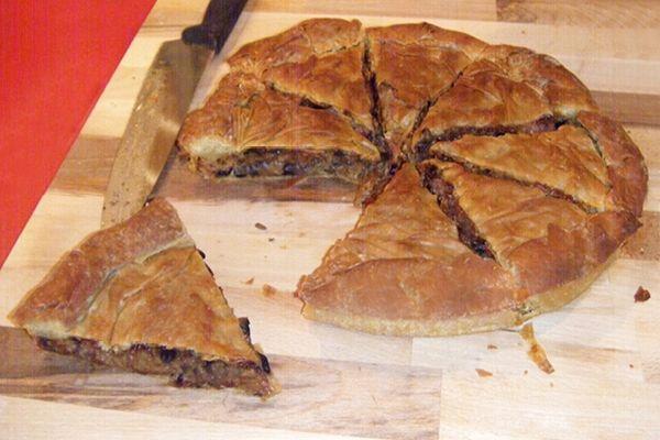Μανιταρόπιτα Γρεβενών με λουκάνικα από την Αργυρώ Μπαρμπαρίγου