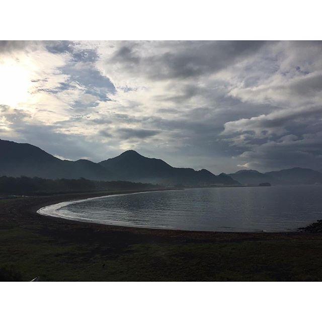 【onuma_akiho】さんのInstagramをピンしています。 《9/15の牛臥海岸です #牛臥 #牛臥海岸 #海 #沼津 #沼津の青い空そして海 #blueskynumazu #静岡 #sea #きれいな海 #朝 #ウォーキング #海が好き #海岸 #海岸散歩 #朝散歩》