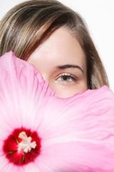 How to Fill in Sparse Eyebrows great tips on making up your brows, including using ROGAINE.