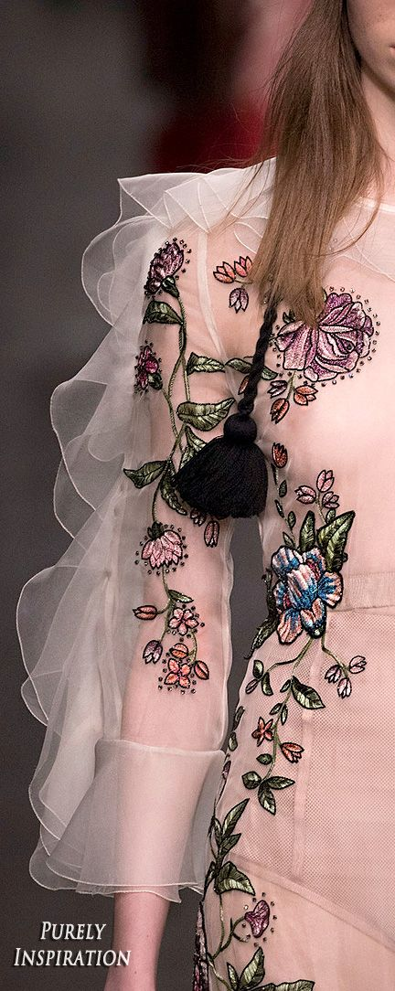 Gucci FW2016 Women's Fashion (runway details) RTW | Purely Inspiration