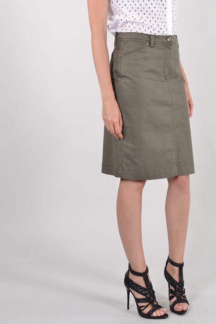Perdrix jupe droite strass - Antonelle Réf :  17JS1957 Jupe crayon en coton elasthane PERDRIX. Habillée de passants à la taille pour ceinture, la jupe à la coupe ajustée est dotée : de deux poches italiennes devant et poches plaquées façon jeans dos. des petits motifs strass tout en finesse viennent donner le ton chic pour cette jupe casual très confortable au porter. #Antonelleparis #jupe #kaki  #clothing #droit #dailylook  #lookoftheday #shoppingaddict  #womenswear #ss17