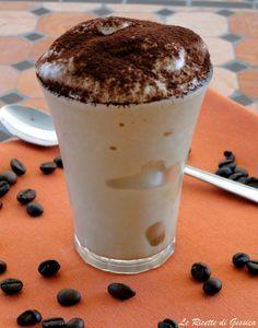 Crema di caffè senza latte congelato e panna-
