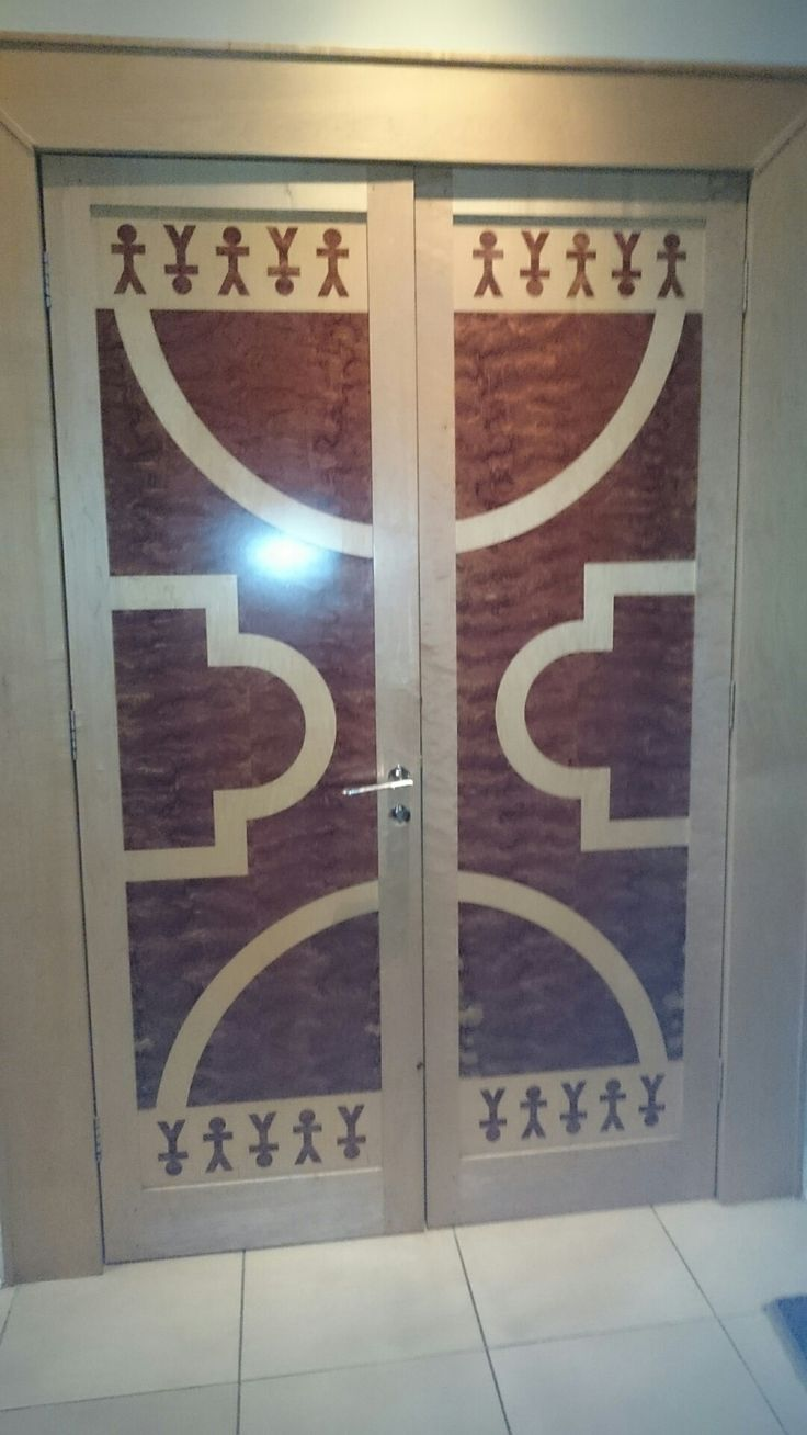 doors hand cut veneer in silver aspin and quilted bubinga