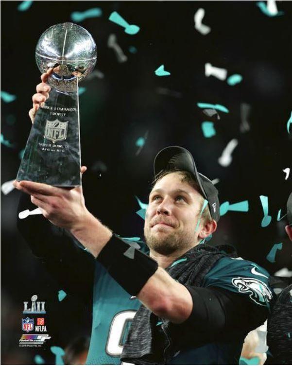 Nick Foles Philadelphia Eagles Vince Lombardi Trophy Super Bowl Lii 8x10 Photo Ebay Philadelphia Eagles Super Bowl Eagles Super Bowl Philadelphia Eagles