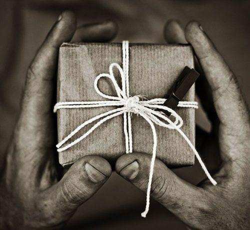 Есть подарки, принимая к…