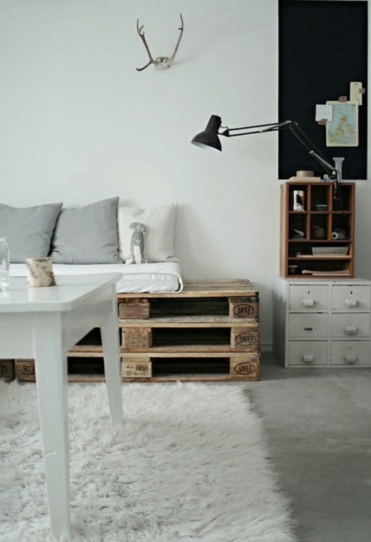 the 25 best couchtisch selber bauen ideas on pinterest tisch selber bauen wohnzimmertisch. Black Bedroom Furniture Sets. Home Design Ideas