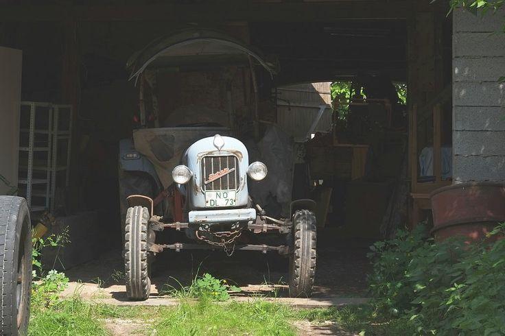 Eicher Traktor 3047.JPG
