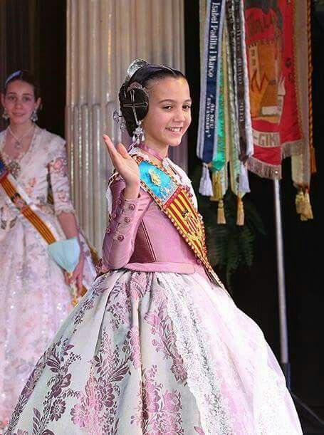 Resultado de imagen de victoria liceras trajes indumentaria valenciana