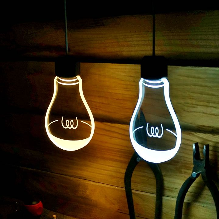 電球なのに、電球じゃない?厚さ10mmのおしゃれな間接照明。LEDで2Wと省エネ。連続転倒時の電気代は約30円/月。